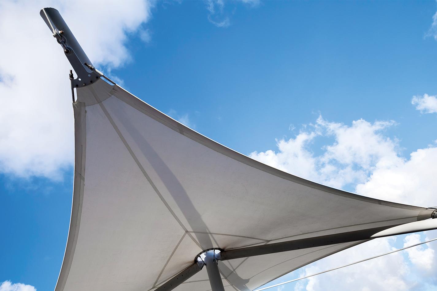 royal-blinds-retractable-sails-2